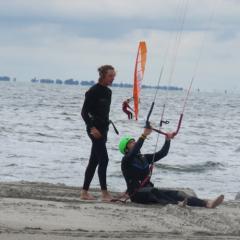 Tinywagon Almere Strand - windsurf les
